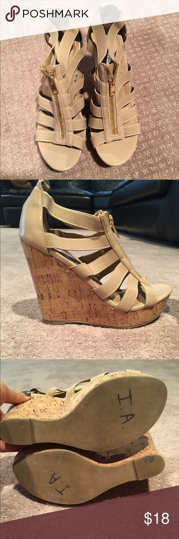 Nude zip up wedges Strappy nude wedges zip up top cork bottom. EUC hardly worn. Don't have original box. Steve Madden Shoes Wedges