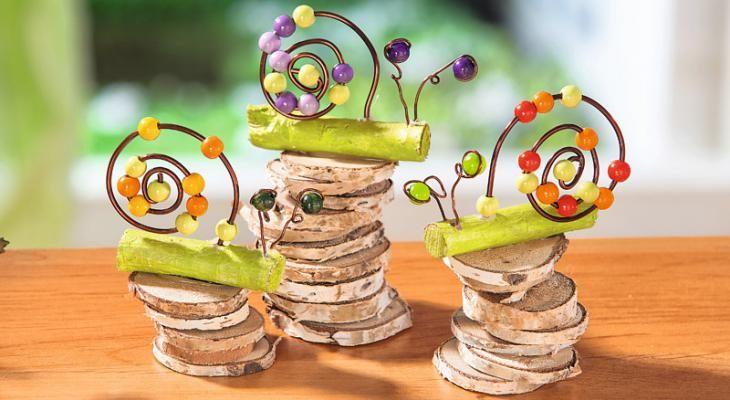 Kleine Schnecken aus Draht und bunten Perlen - VBS-Hobby.com