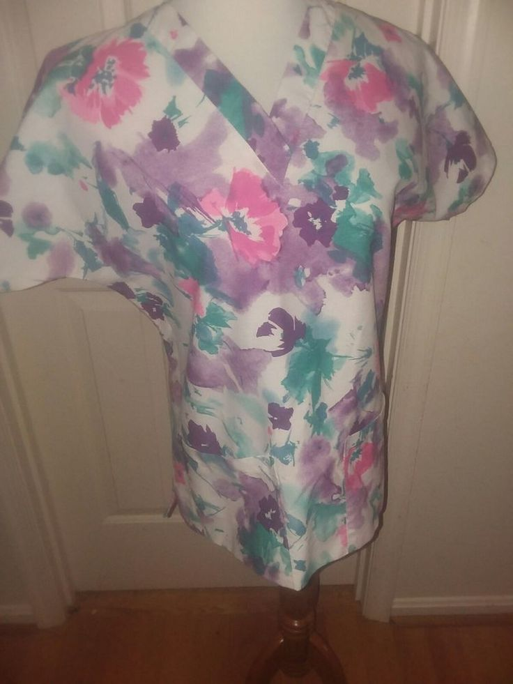 Womens Scrub Top Dilly By Encompass Size Small Pastel Watercolored  V Neck SS #Dilly
