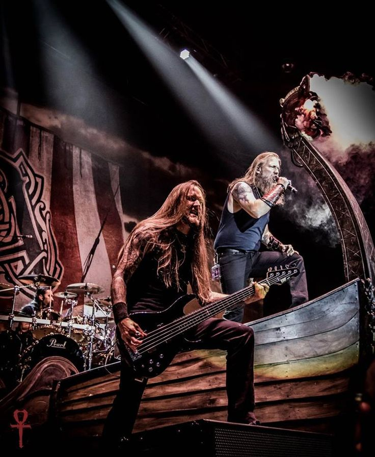 Amon Amarth on stage, Seattle 2016