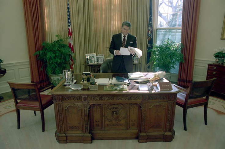 1988 President Reagan In The Oval Office Ronald Reagan