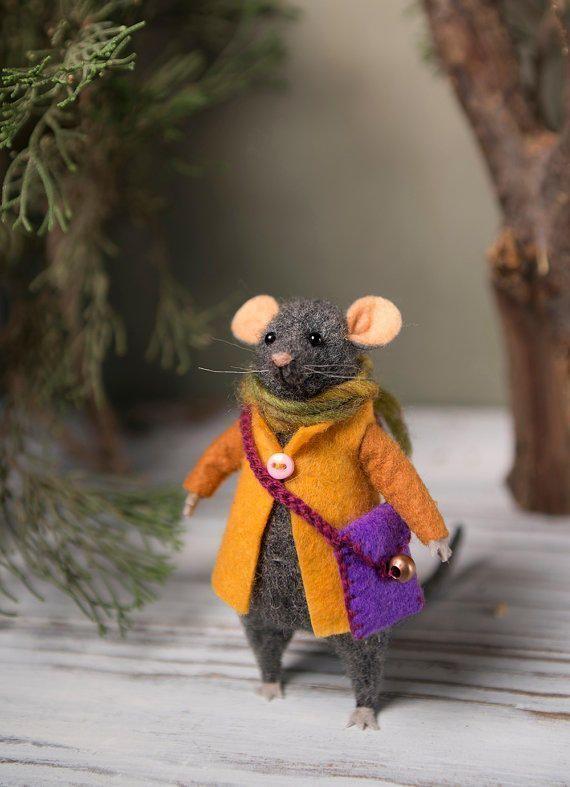 сама картинки с мышонком в пальто особенностью