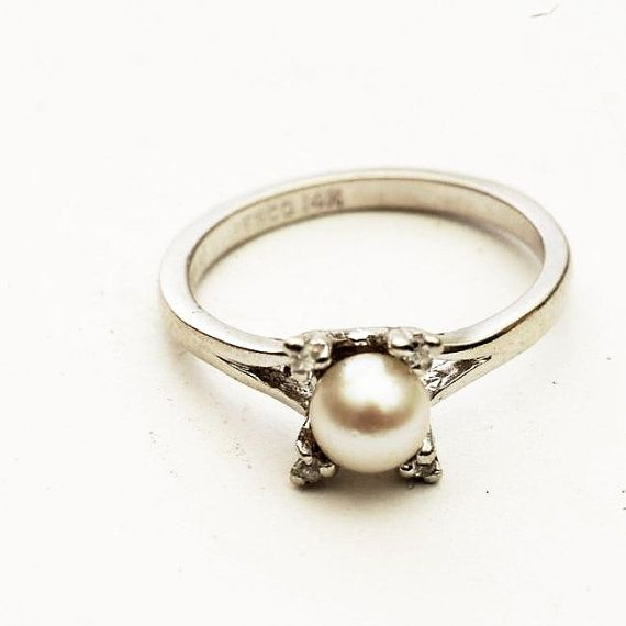 @Patricia Ranalli I WANT! :-)   -Vintage 14K White Gold Pearl Ring With Accent Diamonds by Spoonier, $155.00