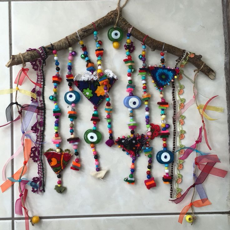 nazarlık, felt, amulet, handmade, turkish eye, feltro, drifwood