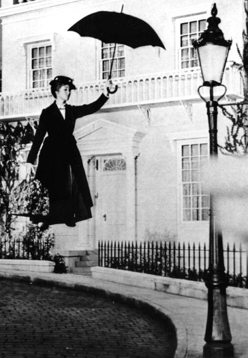 Julie Andrews, Mary Poppins.