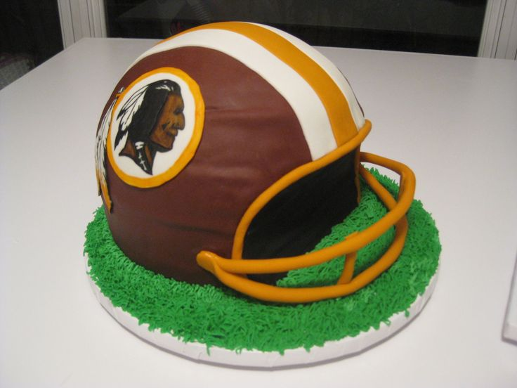how to make a football helmet cake