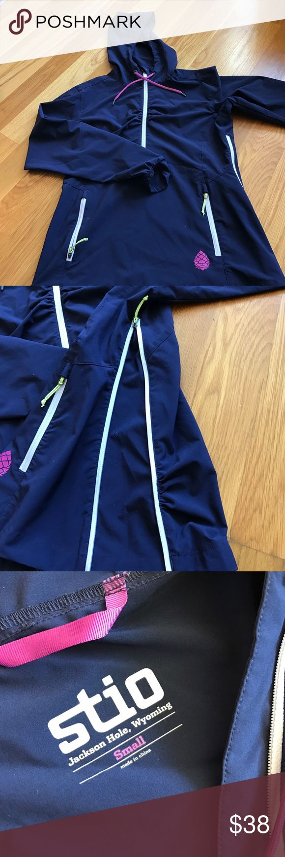 Stio running jacket size small Extremely nice Stio, pull over jacket. Really great piece. Only selling as I have too much running clothing ( in comparison to how much I run). stio Jackets & Coats Utility Jackets