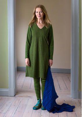 Damenkleider - sommerlich und bunt   Gudrun Sjödén Kleid Lisen in waldgrün 74 EUR (anprobiert in S, sitzt relativ figurnah, evt. in M mal zum Vergleich anprobieren)