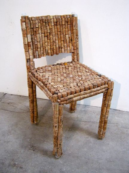 Would love to do this with all my wine corks that I have!!