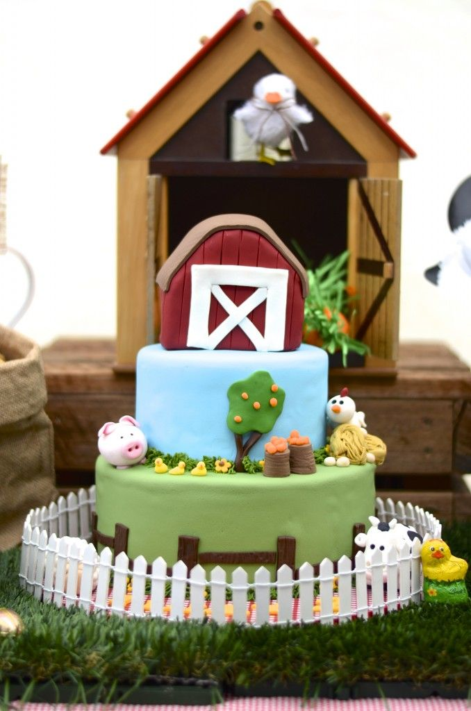 This farm party is pretty special to us because it's one of our own! This Down on the Farm party was created for Tully, who turned two, and is OBSESSED with animals! #lpl #onthefarm #partyideas #birthday