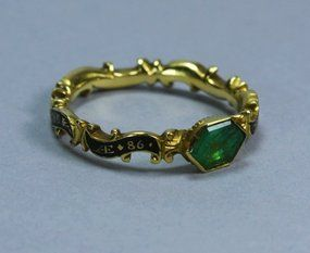 Antique Georgian Gold Emerald Ring c. 18th Century. Its from a period before the book but isn't it beautiful?