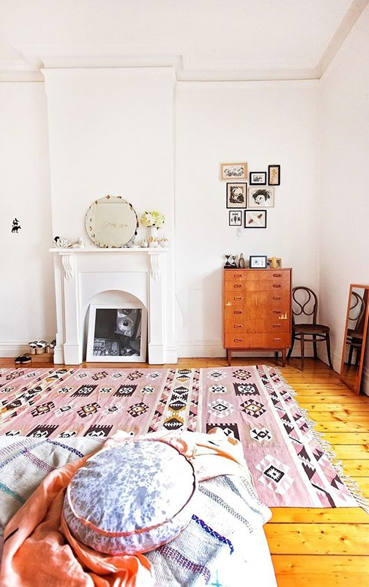 Beca Orpin's home -- bedroom in brunswick via apartment therapy | sfgirlbybay
