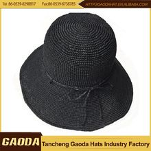 beyaz handmake hasır şapka ve çanta