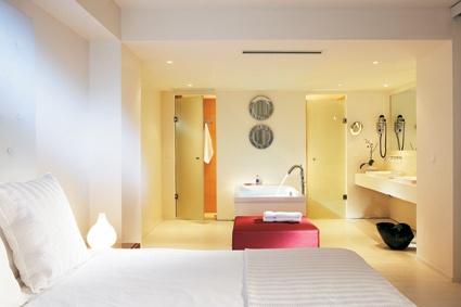 Luxury Junior Suite ensuite bathroom