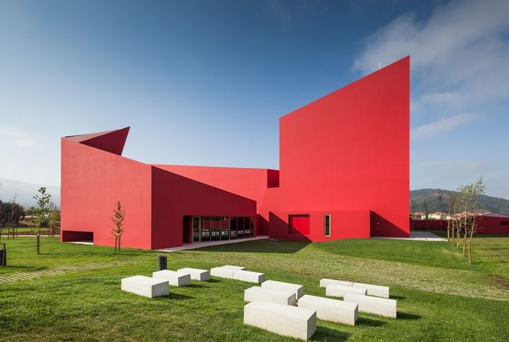 JM CasaArtes 9 Modern Architecture With Vivid Red Coating: Casa das Artes in Portugal