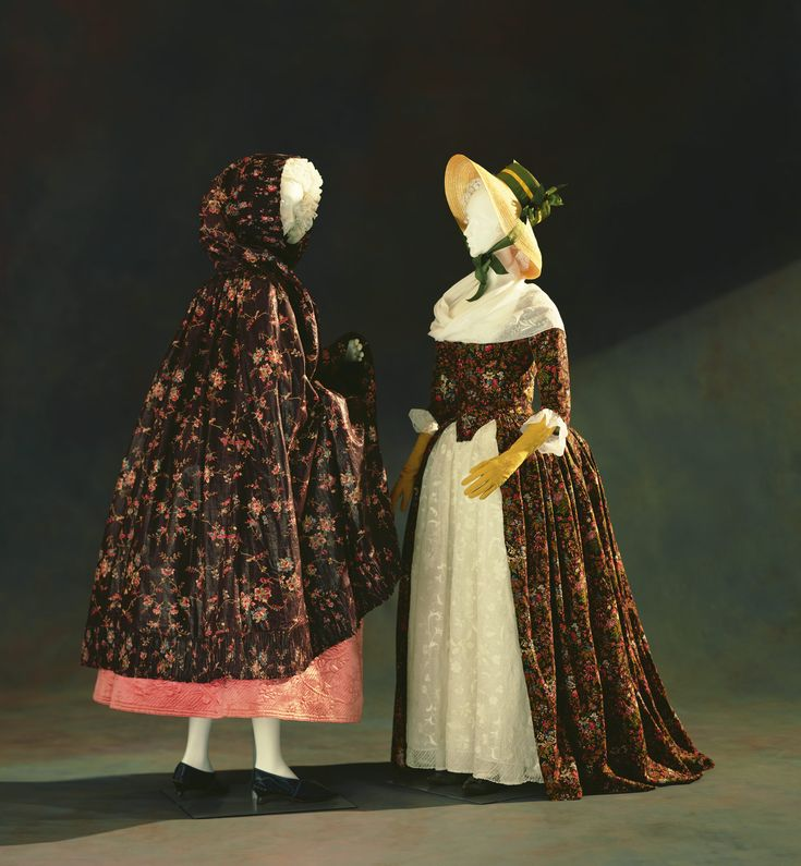 "The cape on the left is ""indienne-type"" floral patterns were printed on a dark brown color, called ""ramoneur"" (the chimney sweeper), made in Alsace. Description from pinterest.com. I searched for this on bing.com/images"