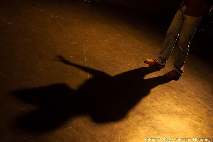 """A nona edição do """"Dramamix"""", no festival """"Satyrianas 2015"""", convida artistas para a leitura dramática de 29 peças inéditas e curtas, escritas por dramaturgos, atores, roteiristas e jornalistas convidados."""