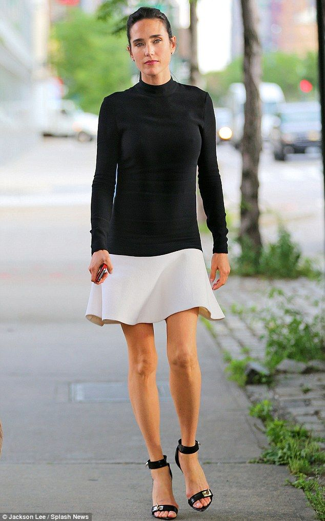 Jennifer Connelly- black and creme