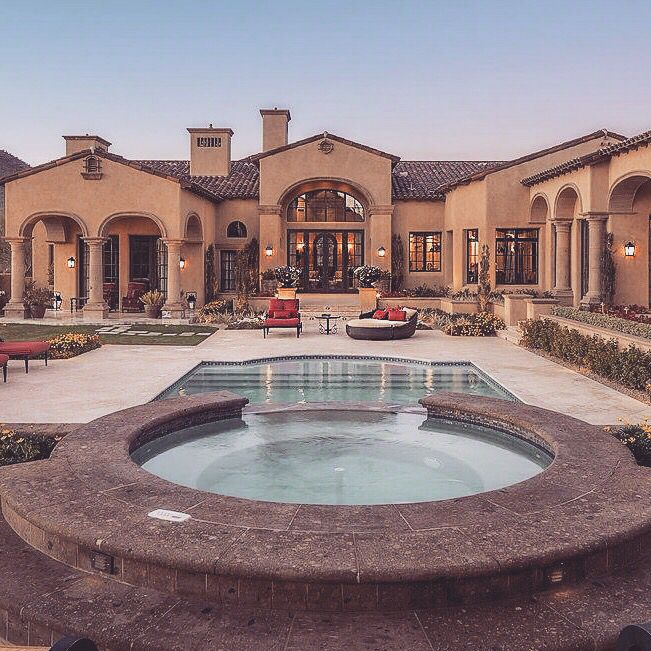 Find Townhomes For Rent: 1000+ Ideas About Luxury Townhomes On Pinterest