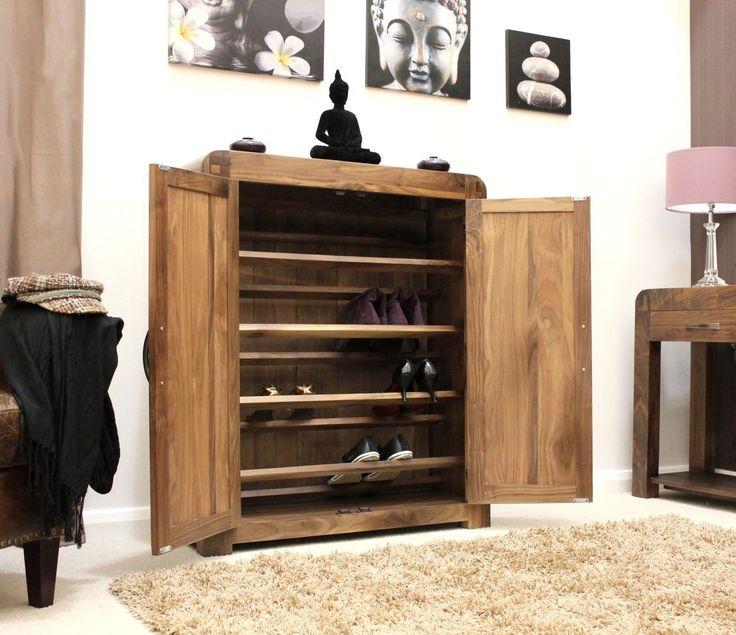 55 идей как хранить обувь в доме: полки, подставки, шкафы http://happymodern.ru/kak-khranit-obuv-v-dome/ Осенней и зимней обуви нужно больше места, помните об этом, когда будете организовывать пространство для хранения обуви Смотри больше http://happymodern.ru/kak-khranit-obuv-v-dome/