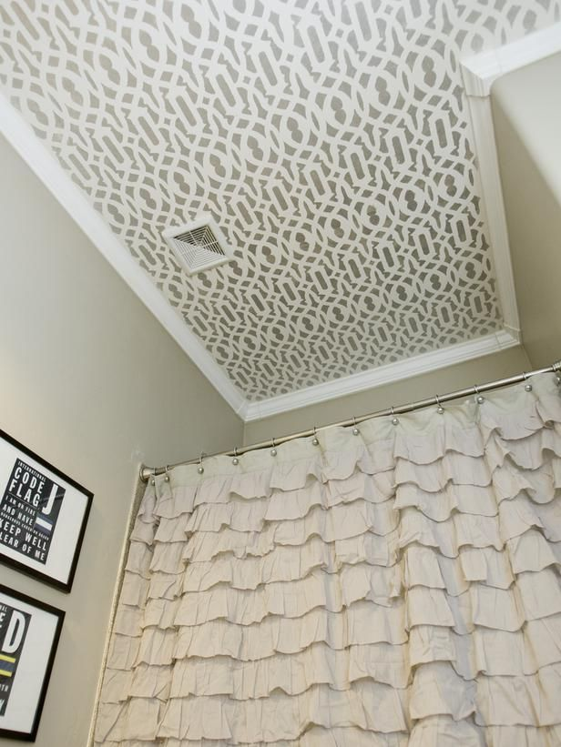 A stenciled ceiling.Showers, Decor, Ideas, Guest Bathroom, Bathroom Ceilings, Stencils Ceilings, House, Shower Curtains, Design