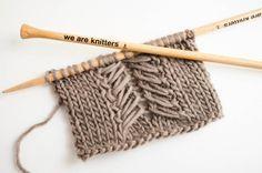 Das Caliper Zopfmuster ist super einfach zu stricken und garantiert außerdem noch ein fantastisches Finish bei Deinen gestrickte Kleidungsstücken.