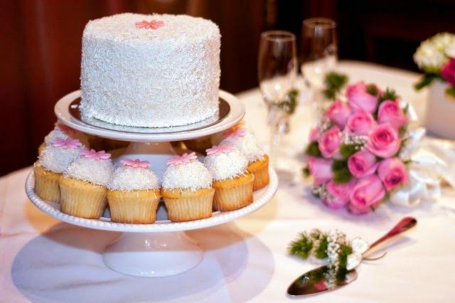 Karas Cupcakes In SF Bay Area With 6 Inch Cutting Cake In White And Pink The Wedding Cupcake