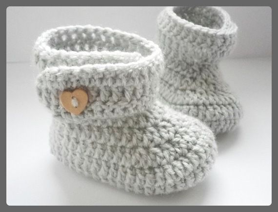 chaussons bottes bottines b b laine 0 3 6 mois id es tricot autres pinterest crochet et. Black Bedroom Furniture Sets. Home Design Ideas