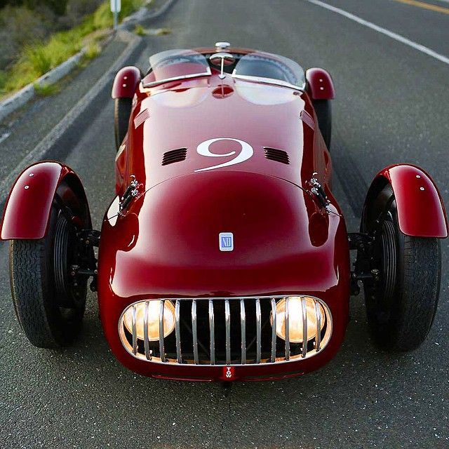 The Look at the Rare & Racy … Nardi-Danese 6C 2500 Alfa Romeo Circa '48 One of only three ever made by Enrico Nardi a test driver and engineer at Lancia and for Scuderia Ferrari. This models for the 1948-49 Mille Miglia and Targa Florio races. One piece of that legacy is this Exotica machine … by gentlemanmodern http://ift.tt/1GvgVR6