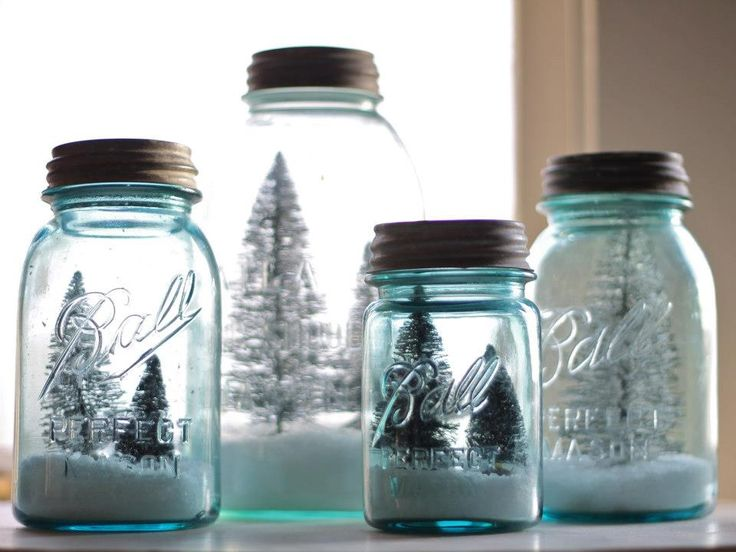 Vintage mason jar christmas decor ... Same idea but with different types of closes glass containers