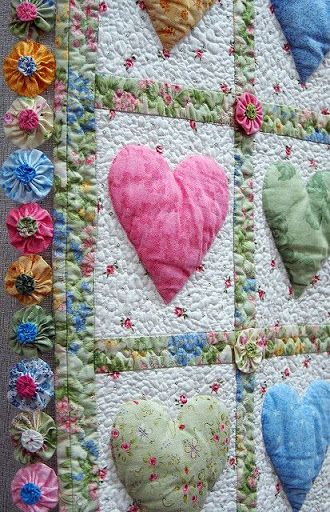 Patchwork quilt hearts, so pretty