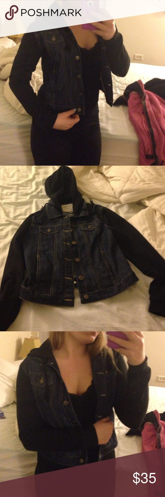 Nwot Super cute hooded jean jacket Very stylish for fall PacSun Jackets & Coats Jean Jackets