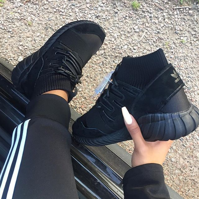 Thanks to @crepsource for these Tubular Dooms  #whatsurgirlwearing
