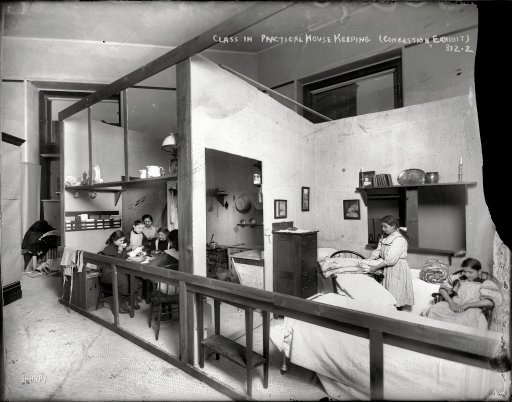 """Class in practical house keeping - Congestion Exhibit"" - 1908"