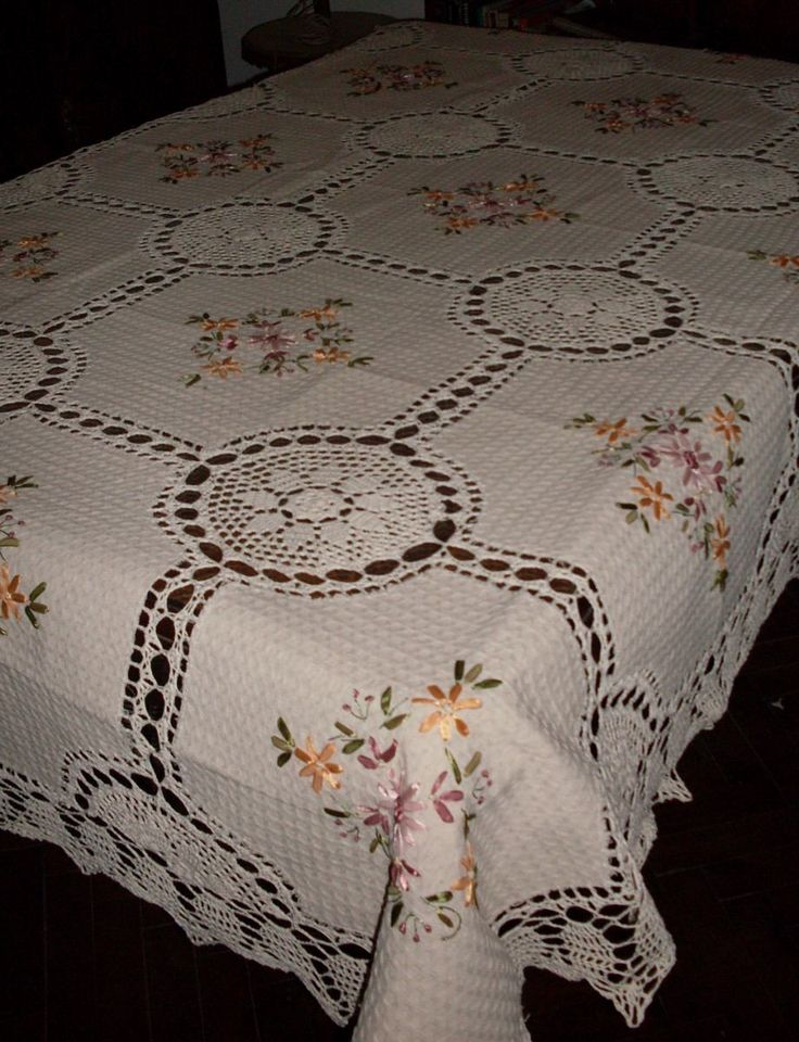 Manteles en crochet y tela r stica bordado en cinta 1 for Manteles de tela