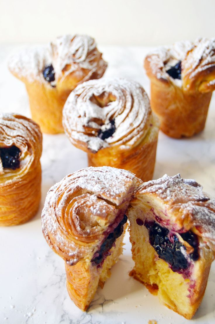 Blueberry Cruffins (Crossiant + Muffins) Insanely crisp and flaky on the outside and fluffy, buttery and moist on the inside, it's the perfect combo of both worlds. Oh, and because Mr. H loves jam filled doughnuts, I filled mine with my favorite blueberry jam (seriously, my favorite for years! I used for my blueberry pie cookies and blueberry pie doughnuts too) and dusted it off with powdered sugar.