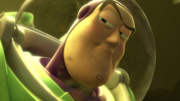 Figura Buzz Lightyear voz, luz y sonido para las misiones intergalácticas mas osadas. Toy Story