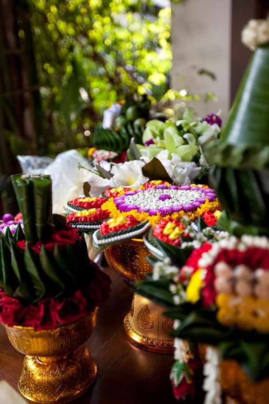 Traditional Thai wedding flowers