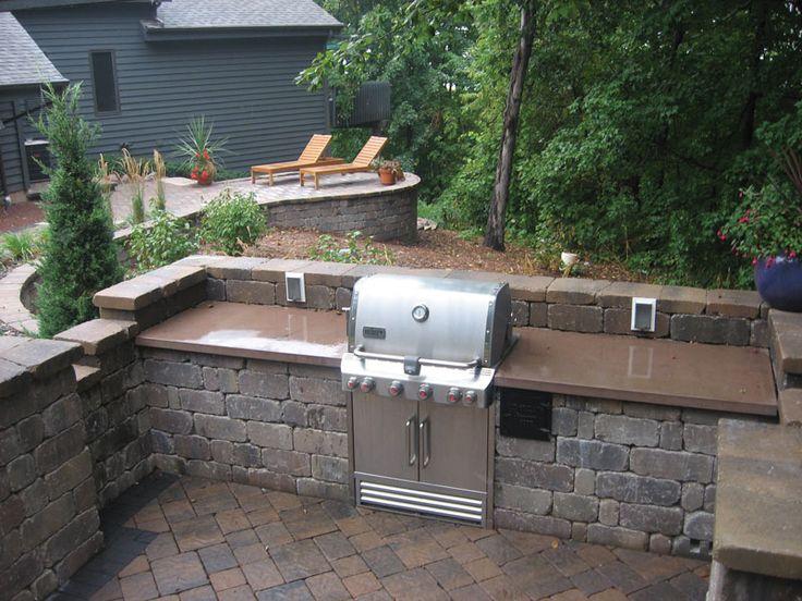 Keystone Country Manor Outdoor Kitchen #Keystone #RetainingWalls #DIY  #Landscape #RetainingWallSystems #
