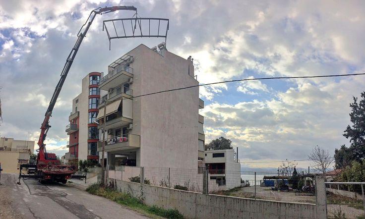 Κατασκευή Αίθριο στον 5ο όροφο! #mparolas #metalconstructions #patio #underconstruction #5thfloor #blockofflats http://alouminia-koufomata.gr