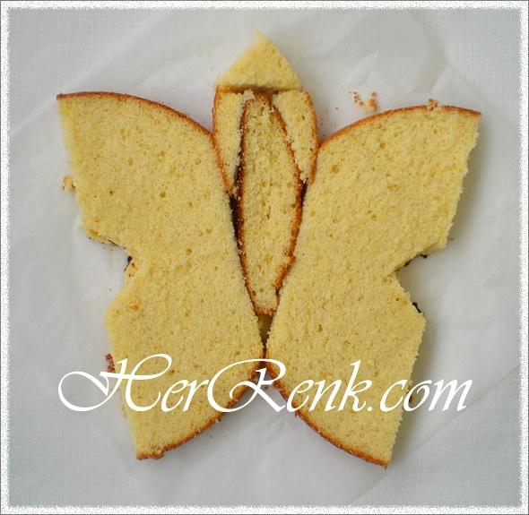 KELEBEK PASTA   Kelebek pasta kızımın doğum günü için hazırladığım bir pastaydı. http://www.herrenk.com/sdetay.asp?id=1064=2216