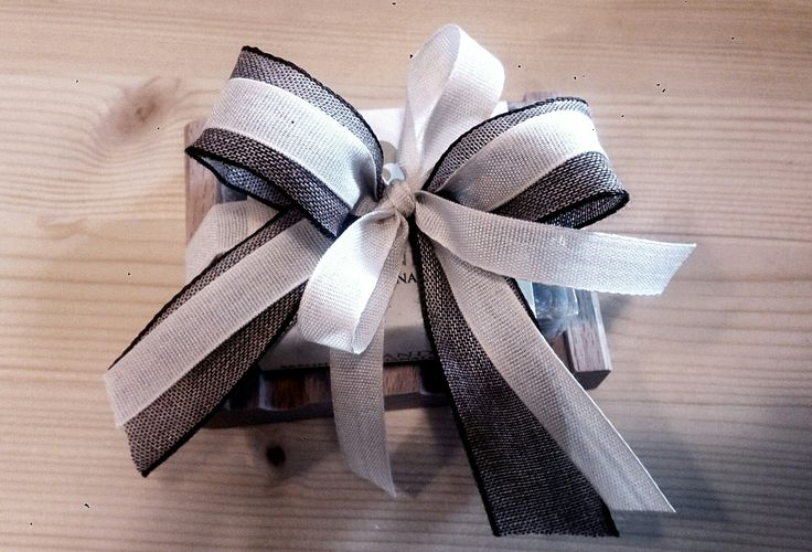 Bomboniera con portasapone e saponetta lavanda fiocco marrone e bianco 🎀