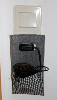 Kreative Handy Ladestation mit Handy Halterung aus Filz für die Steckdose