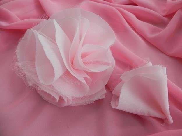 Idee per fiori di stoffa fai da te - Fiori di tulle