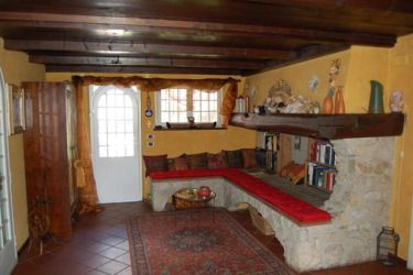 Tuscan Villa rental close to Tuscan coast.