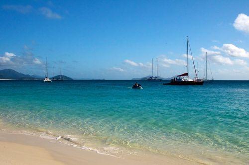 Holiday Sailing At Famous Whitsundays Island
