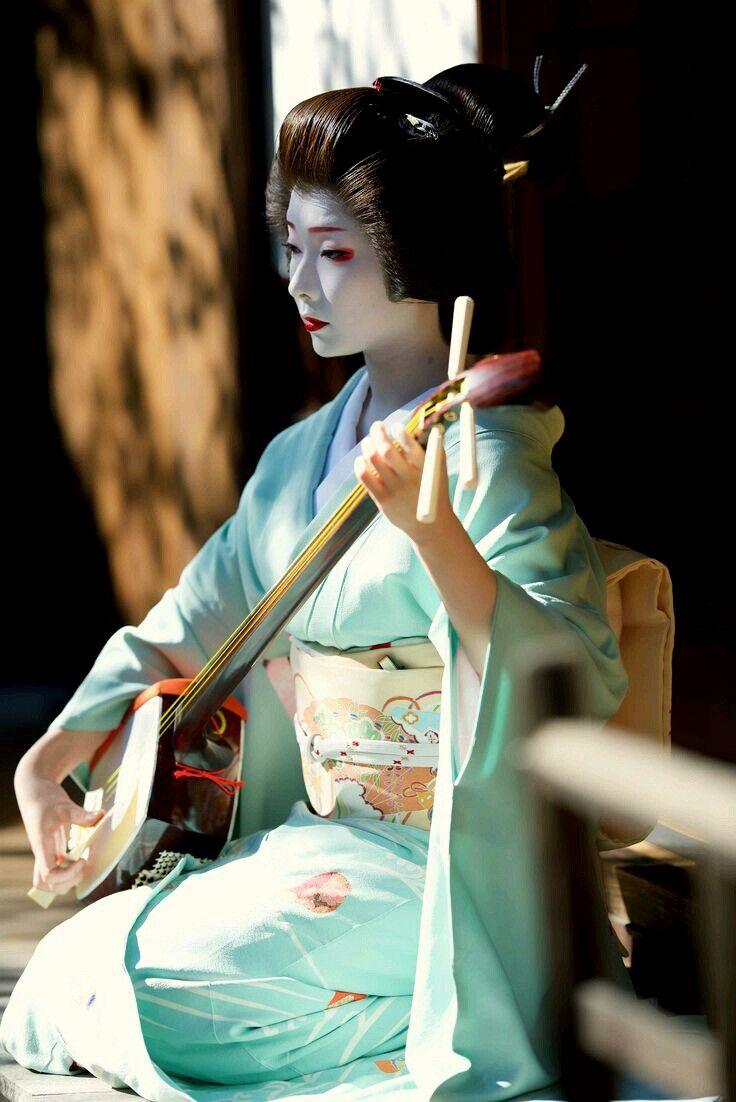 【Geiko,October 24, 2016】 Geiko is Toshimana. Shooting location is Nijyojinya. Photo by Tigertakashi.