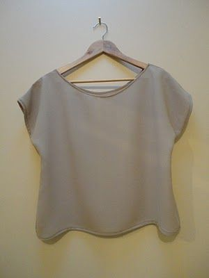 Easy top pattern. Why not try making it in recycled fabric, or a nice organic jersey?