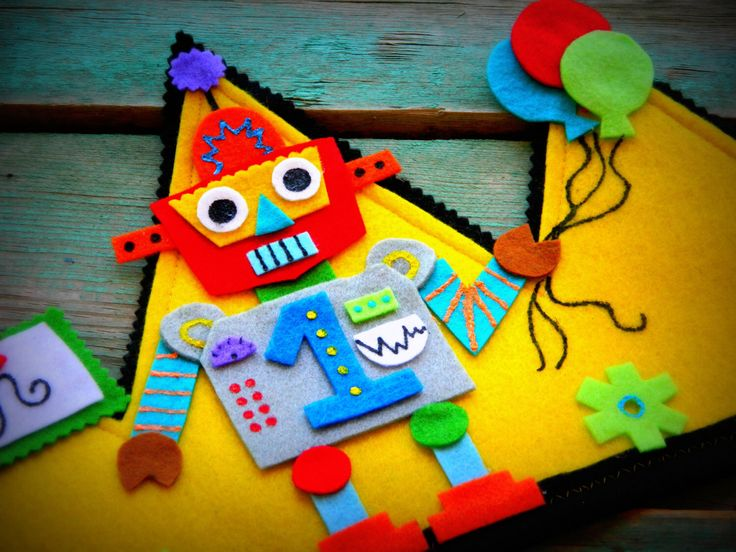 Birthday crown, Robot birthday, party hats, party favors, robot, by cottonsandcandies on Etsy https://www.etsy.com/listing/151590711/birthday-crown-robot-birthday-party-hats