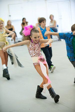 Dance Moms Maddie practicing